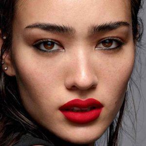 cejas-laminadas-tendencias-de-maquillaje